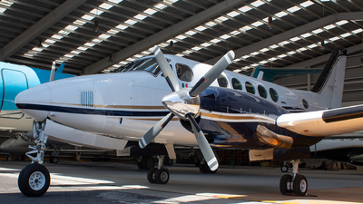 XB-RDL - Beechcraft B100 King Air - Private