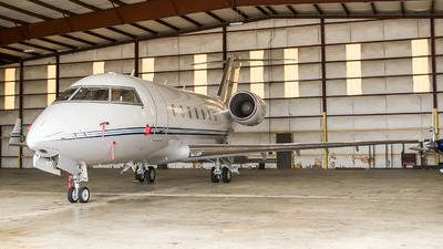 N500PG - Bombardier CL-600-2B16 Challenger 601 - Private