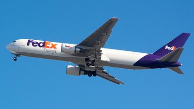 N111FE - Boeing 767-3S2F(ER) - FedEx