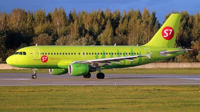 VP-BTQ - Airbus A319-114 - S7 Airlines