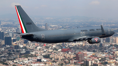 3526 - Boeing 737-8MC - Mexico - Air Force