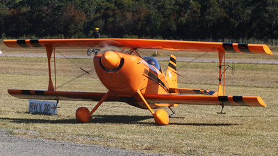 VH-PVX - Pitts S1-11B - Paul Bennett Airshows