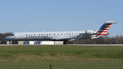 A picture of N610NN - Mitsubishi CRJ900LR - American Airlines - © DJ Reed - OPShots Photo Team
