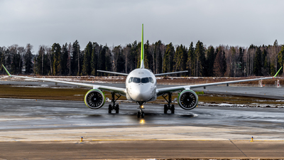YL-AAV - Airbus A220-371 - Air Baltic