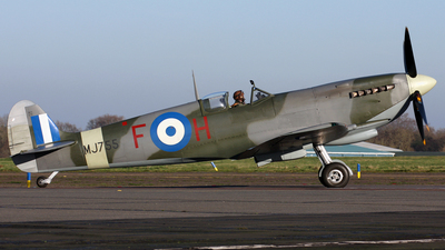 G-CLGS - Supermarine Spitfire Mk.IX - Private