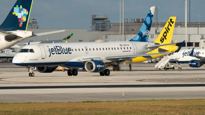 A picture of N267JB - Embraer E190AR - JetBlue Airways - © Matthew Calise