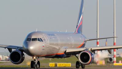 A picture of VPBAX - Airbus A321211 - Aeroflot - © Kees Marijs