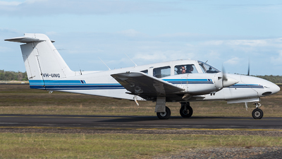 VH-UNG - Piper PA-44-180 Seminole - University of New South Wales