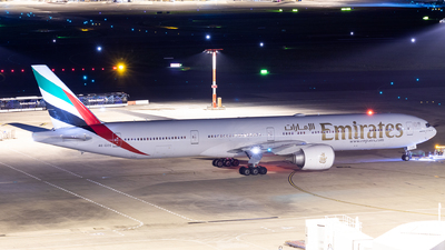 A picture of A6ECS - Boeing 77731H(ER) - Emirates - © TommyNG