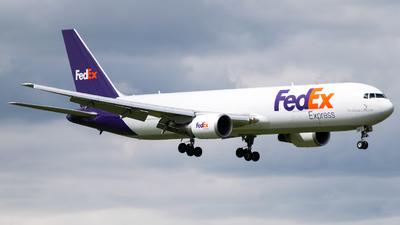 A picture of N117FE - Boeing 7673S2F(ER) - FedEx - © Juan David Mancipe