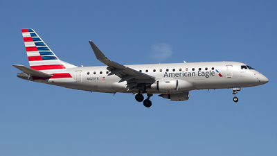 N425YX - Embraer 170-200LR - American Eagle (Republic Airways)