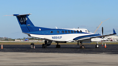 N884UP - Beechcraft B300 King Air 350i - Wheels Up