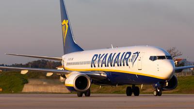 A picture of EIDYE - Boeing 7378AS - Ryanair - © Carlos Miguel Seabra