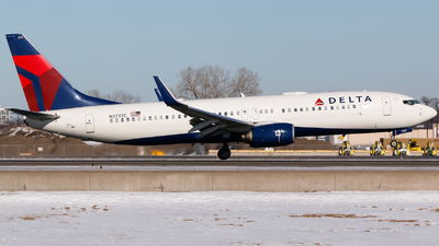 A picture of N3737C - Boeing 737832 - Delta Air Lines - © Alec Mollenhauer