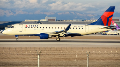 N242SY - Embraer 170-200LR - Delta Connection (SkyWest Airlines)