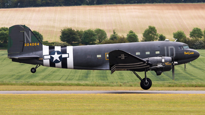 N74589 - Douglas DC-3C - Private