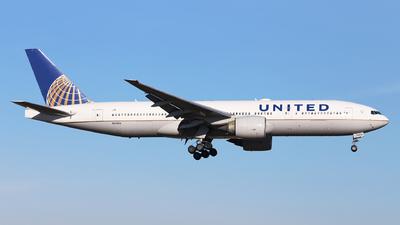 N57016 - Boeing 777-224(ER) - United Airlines