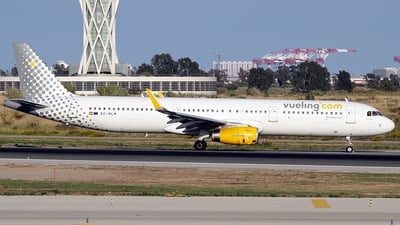 EC-MLM - Airbus A321-231 - Vueling Airlines