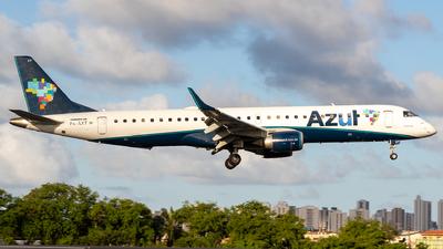 A picture of PRAXT - Embraer E195AR - Azul Linhas Aereas - © Davi P. Ribeiro