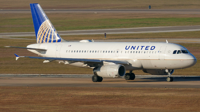 N823UA - Airbus A319-131 - United Airlines