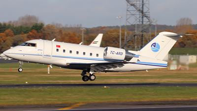 A picture of TCARD - Bombardier Challenger 604 - [5611] - © n94504