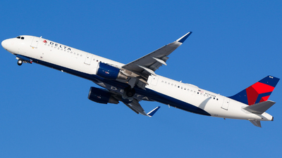 A picture of N345DN - Airbus A321211 - Delta Air Lines - © Alec Mollenhauer