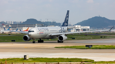 B-5949 - Airbus A330-243 - China Eastern Airlines