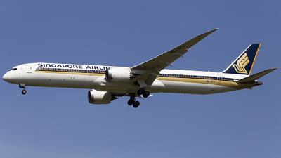 A picture of 9VSCA - Boeing 78710 Dreamliner - Singapore Airlines - © XieTM