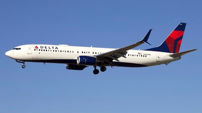 A picture of N886DN - Boeing 737932(ER) - Delta Air Lines - © Peter Cook