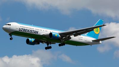 A picture of UK67004 - Boeing 76733P(ER) - Uzbekistan Airways - © Chris Pitchacaren