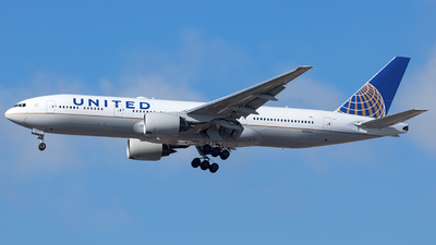 N222UA - Boeing 777-222(ER) - United Airlines