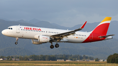 A picture of ECLUL - Airbus A320216 - Iberia - © Borut