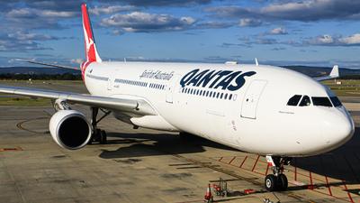 A picture of VHQPG - Airbus A330303 - Qantas - © HillsJayden