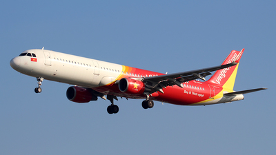 A picture of VNA684 - Airbus A321211 - VietJet Air - © Huy Do