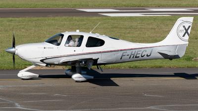 A picture of FHECJ - Cirrus SR22T - [0176] - © Hervé Champain