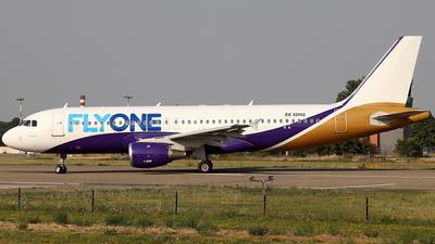 EK-32002 - Airbus A320-211 - FlyOne