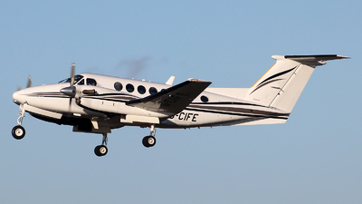 G-CIFE - Beechcraft B200 Super King Air - Private