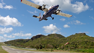 PJ-WIL - De Havilland Canada DHC-6-300 Twin Otter - Winair - Windward Islands Airways