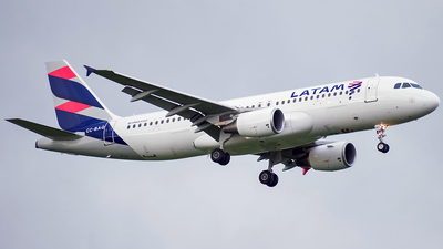 CC-BAQ - Airbus A320-214 - LATAM Airlines