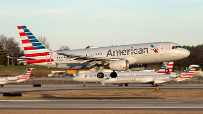 A picture of N123UW - Airbus A320214 - American Airlines - © Yan777