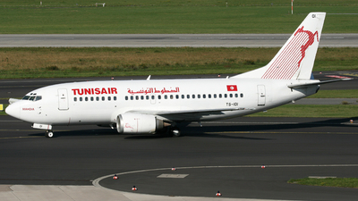 TS-IOI - Boeing 737-5H3 - Tunisair