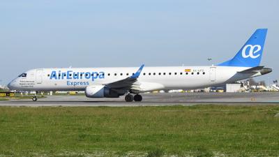 A picture of ECLFZ - Embraer E195LR - Air Europa - © Rui J Pais