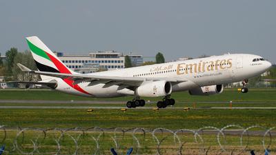 A6-EKW - Airbus A330-243 - Emirates