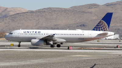 N452UA - Airbus A320-232 - United Airlines