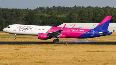 A picture of GWUKM - Airbus A321271NX - Wizz Air - © C. v. Grinsven