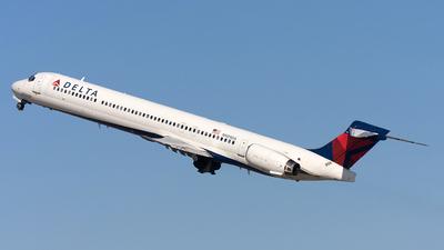 N909DA - McDonnell Douglas MD-90-30 - Delta Air Lines