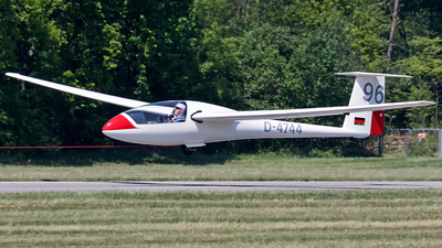 D-4744 - Schempp-Hirth Standard Cirrus - Private