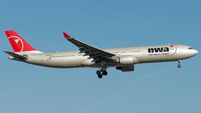 N804NW - Airbus A330-323 - Northwest Airlines