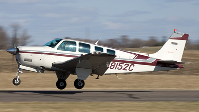 N8152C - Beech A36 - Private