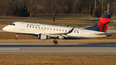 A picture of N878RW - Embraer E170LR - Delta Air Lines - © Connor Cummings